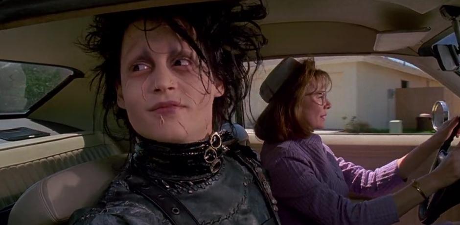 Edward mani di forbice (1990): un taglio ai pregiudizi 7